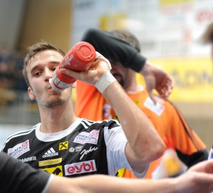 Mathias Nikolic beim time-out, Saison 2014-15, Foto Herbert Jonas