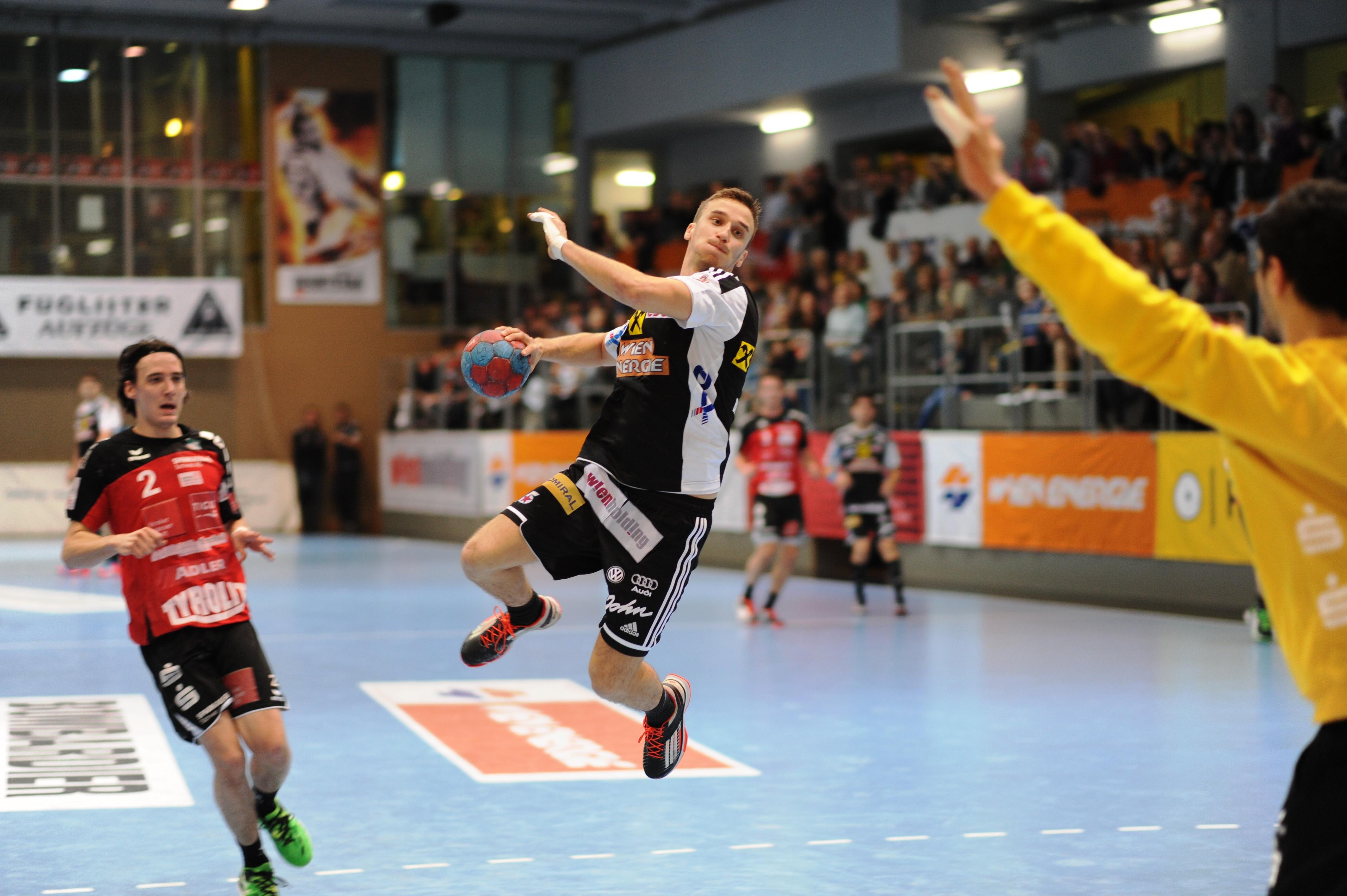 Mathias Nikolic vs. Schwaz, Saison 2014-15, Foto Jonas