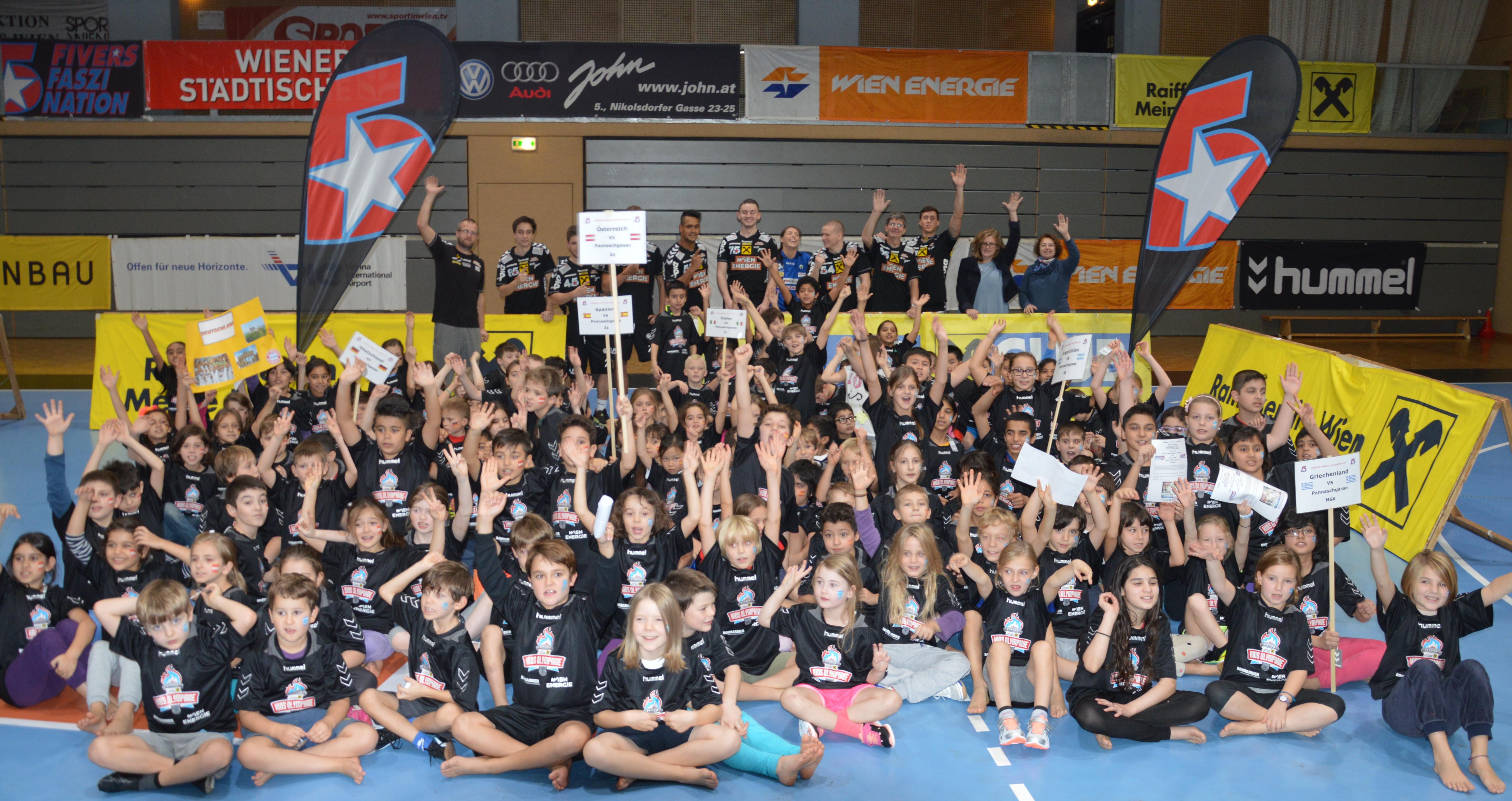 Gruppenfoto VS Pannaschgasse_ RAIFFEISEN HANDBALL KIDS OLYMPIADE 2015