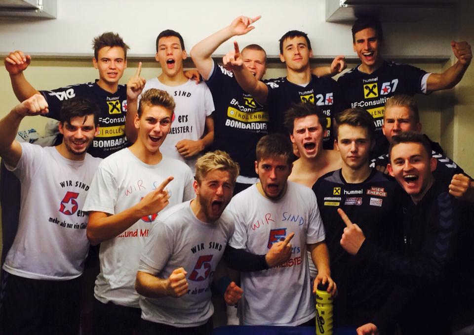 HBA-Team_Kabinen-Selfie nach Cup-Heimsieg vs. Trofaiach, 21.10.2015