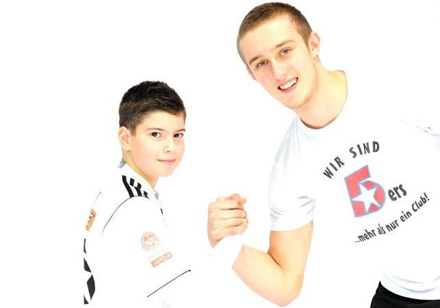 Homepage-Foto_642x450_Stefan Ilic (Jg. 2003) mit Nikola Bilyk_YOUNG FIVERS