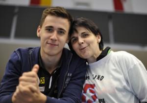 Marin Martinovic mit seiner Mutter_FIVERS Cupsieg 2015