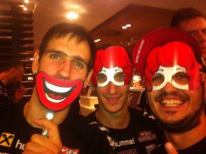 2016-02-09 - Faschingsdienstag_Eitutis, Nikolic, Jonas mit Clown-Maske