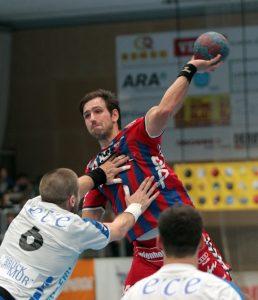 03.10.2015 Handball , Wien ,Hollgasse Fivers Margareten - Bruck Tomas Eitutis. Copyright Agentur DIENER / Philipp Schalber