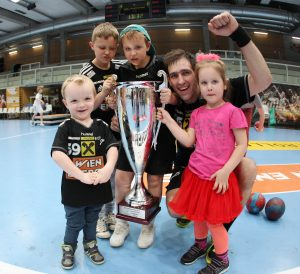 24.04.2016 Wien Hollgasse, Handball, OeHB Cup Final 4, Finale, Fivers - Krems Jubel Copyright DIENER / Leena Manhart