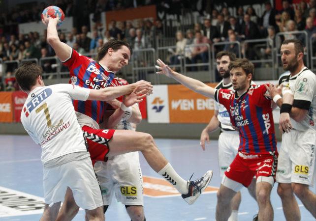 01.04.2017  Handball, Hollgasse, Wien, HLA Fivers Margareten - Linz Kislinger Christian, Markus KOLAR,   Copyright DIENER / Eva Manhart www.diener.at