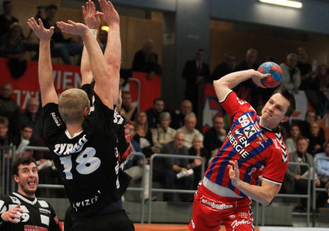 06.12.2016 Handball , Hollgasse , Wien Fivers - Schwaz Markus Kolar.  Copyright DIENER / PhilippSchalber