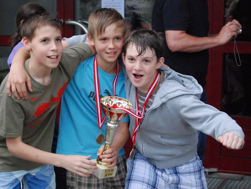Ivan Martinovic, Max Nicolusse, Jakob Schrattenecker - drei, die sich als FIVERS 98er ewig kennen.