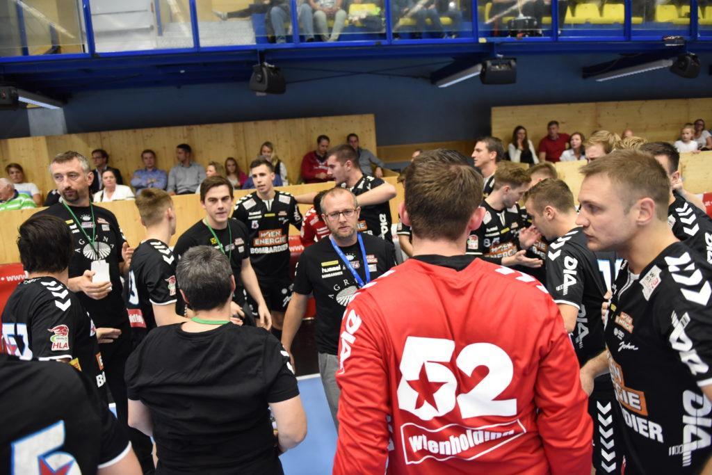 Peter Eckl verlangt von seinen Spielern vollste Konzentration für die Begegnung mit Linz!