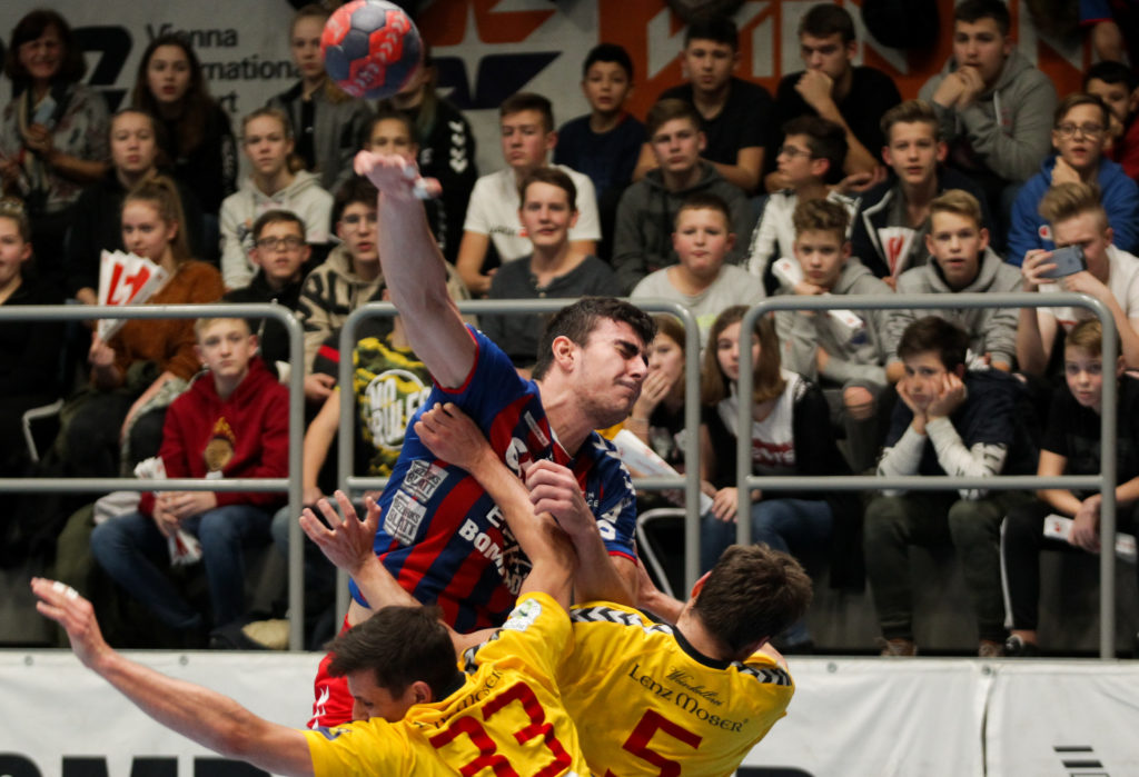 18.12.2018 Handball, HLA, Wien, Hollgasse, Fivers - Krems, Doruk Pehlivan , Copyright DIENER / Philipp Schalber