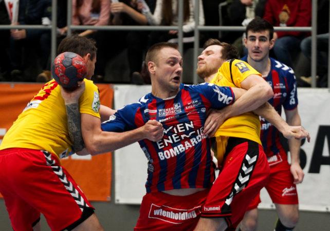 18.12.2018 Handball, HLA, Wien, Hollgasse, Fivers - Krems,  Vytas Ziura , Copyright DIENER / Philipp Schalber